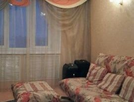 Продажа 4-комнатной квартиры, Магаданская обл., Магадан, Пролетарская улица, 42, фото №1